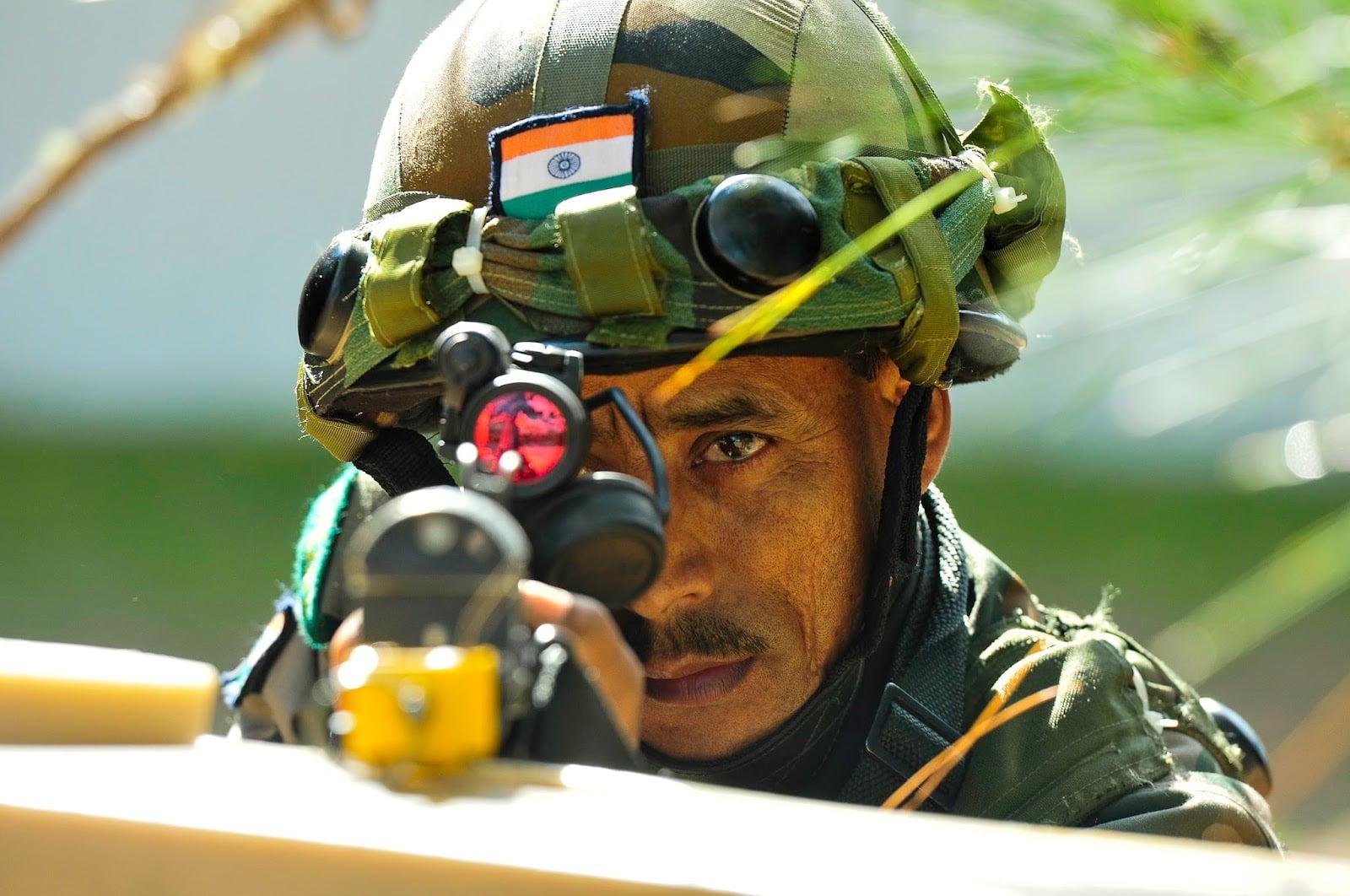 Μεγάλη διασυνοριακή μαχη βρίσκεται σε εξέλιξη μεταξύ Ινδίας και Πακιστάν