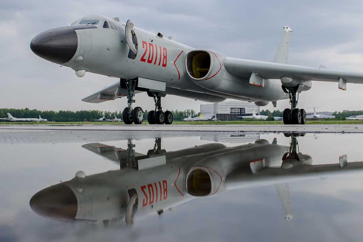 Κινέζικο βομβαρδιστικό οπλισμένο με απόρρητο πύραυλο