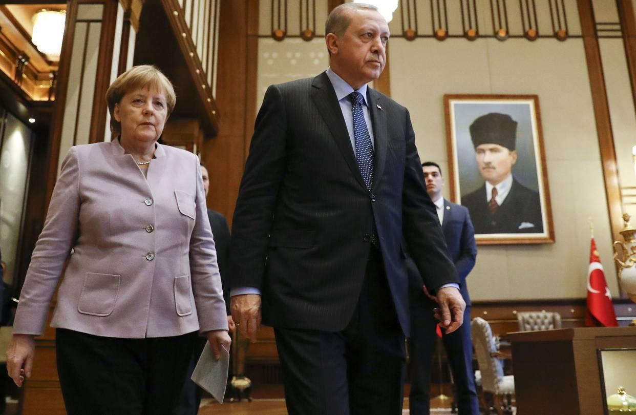 """ΔΙΧΑΣΜΕΝΗ Η ΜΕΡΚΕΛ: """"Εχουμε υποχρέωση απέναντι στην Τουρκία αν και προκαλεί"""""""