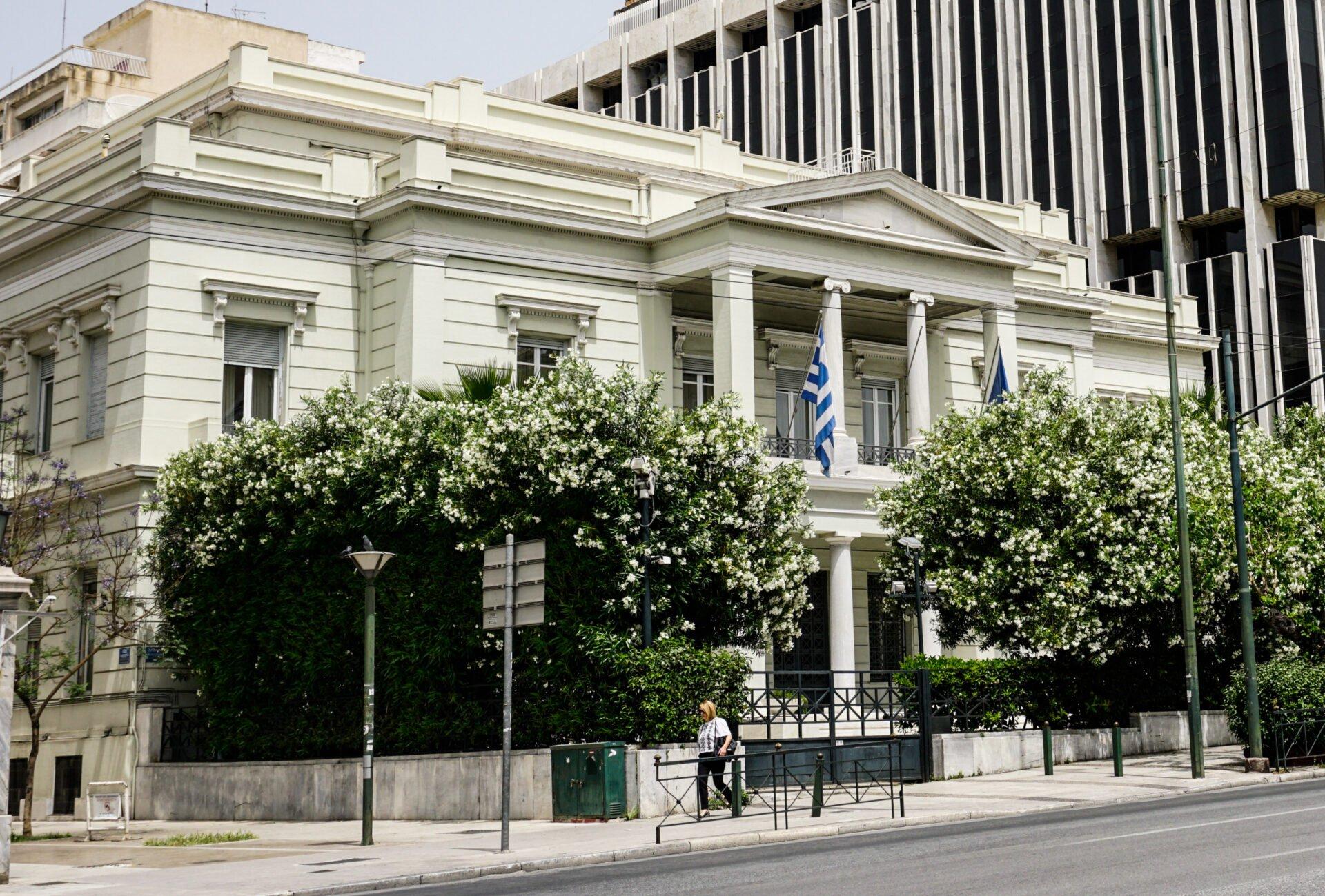 Η Ελλάδα θέτει σε ισχύ τα 12 ΝΜ απο σήμερα στο Ιόνιο και μέχρι το ακρωτήριο Ταίναρο