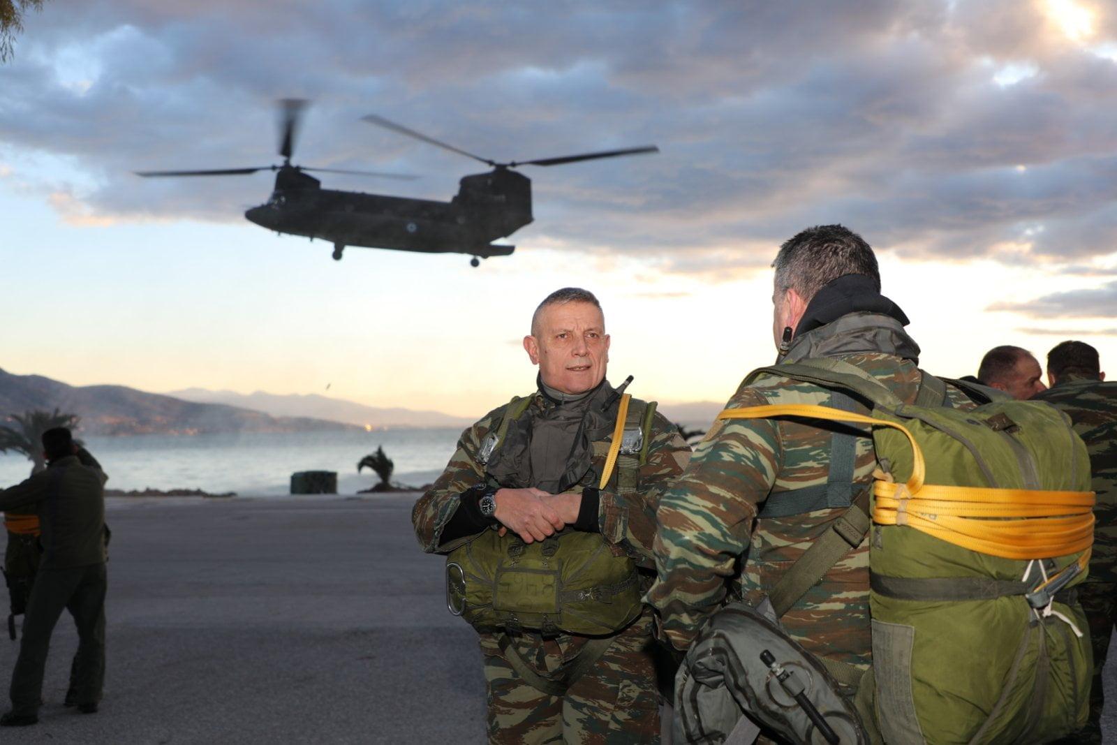 ΚΟΜΑΝΤΟ Ο ΑΡΧΗΓΟΣ ΓΕΕΘΑ: Άλμα απο Chinook & συντήρηση ικανότητας βατραχανθρώπου