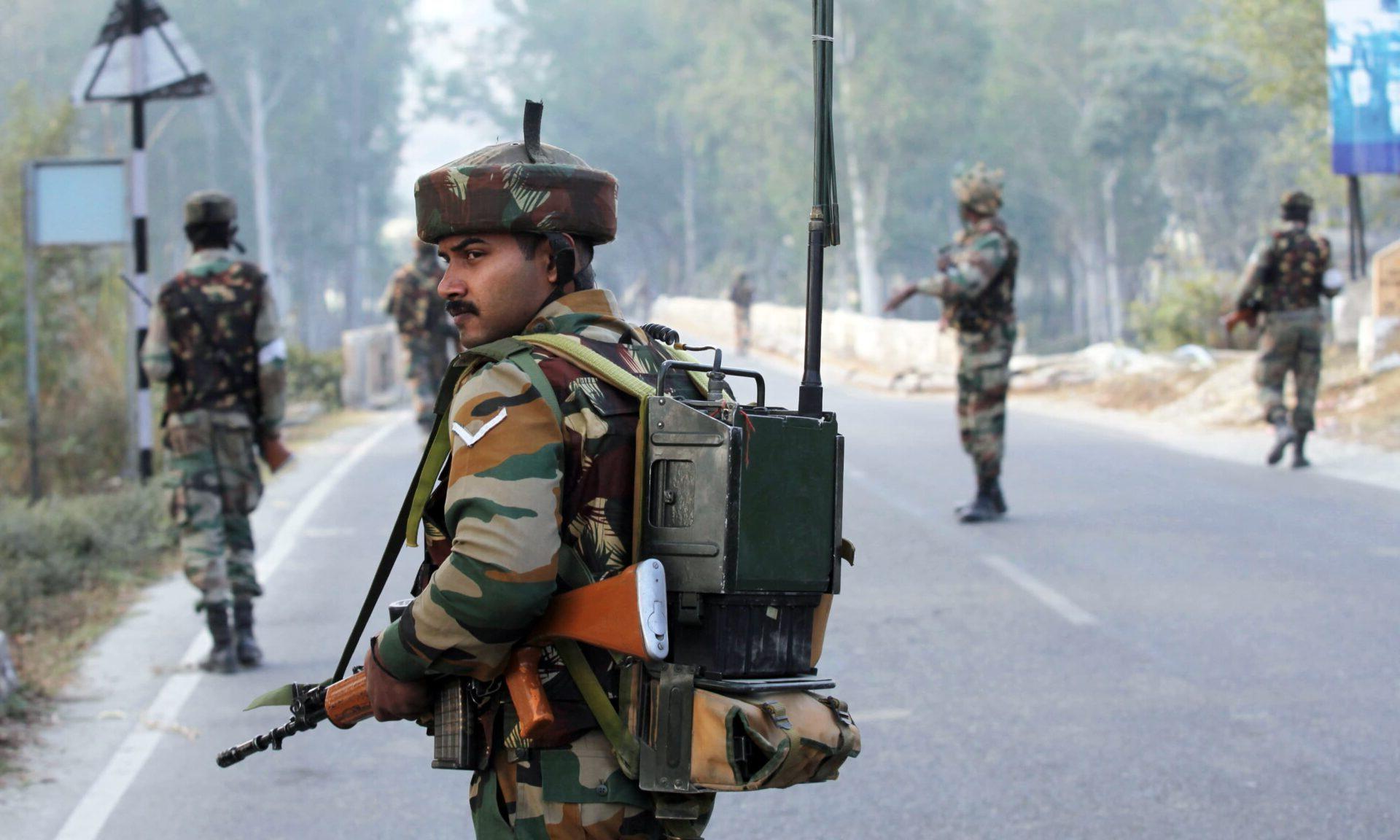 """ΣΥΜΠΛΟΚΗ ΙΝΔΙΑΣ ΚΑΙ ΠΑΚΙΣΤΑΝ: """"Πακιστανοί παραβίασαν την κατάπαυση του πυρός"""""""