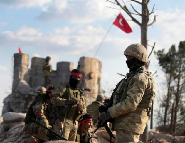 Τα φιλαράκια των Τούρκων γαζώνονται μεταξύ τους για σπίτια άλλων