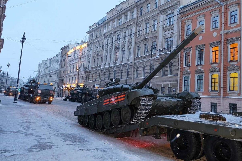 ρωσικά τρένα σύνορα Ουκρανία μεταφέρουν στρατιωτικά, Δεκάδες Ρωσικά τεθωρακισμένα καθ' οδόν προς Κριμαία | ΟΥΚΡΑΝΙΑ, NEMESIS HD