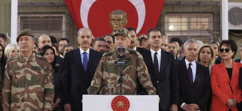 ΤΡΑΒΑΕΙ ΤΟ ΣΧΟΙΝΙ Η ΤΟΥΡΚΙΑ: Νέα ενισχυμένη τουρκική βάση στη Συρία
