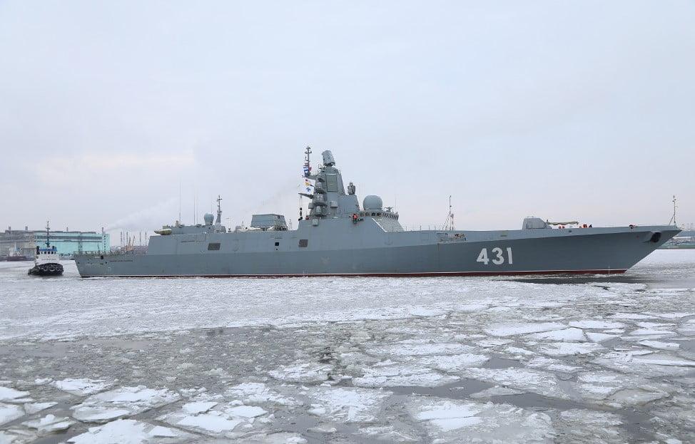 """Η επιβλητική ρωσική φρεγάτα """"Admiral Gorshkov"""" εκτέλεσε βολές στη Θάλασσα Μπάρεντς"""