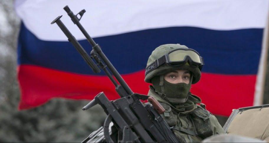 """Τεράστιες Ρωσικές δυνάμεις """"απειλούν"""" την Ουκρανία"""