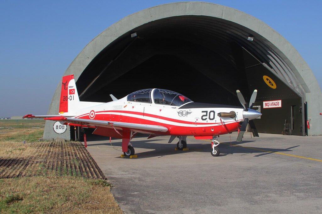 Τουρκικό στρατιωτικό αεροσκάφος KT-1 προσπάθησε να γίνει υποβρύχιο – Σώθηκαν οι πιλότοι