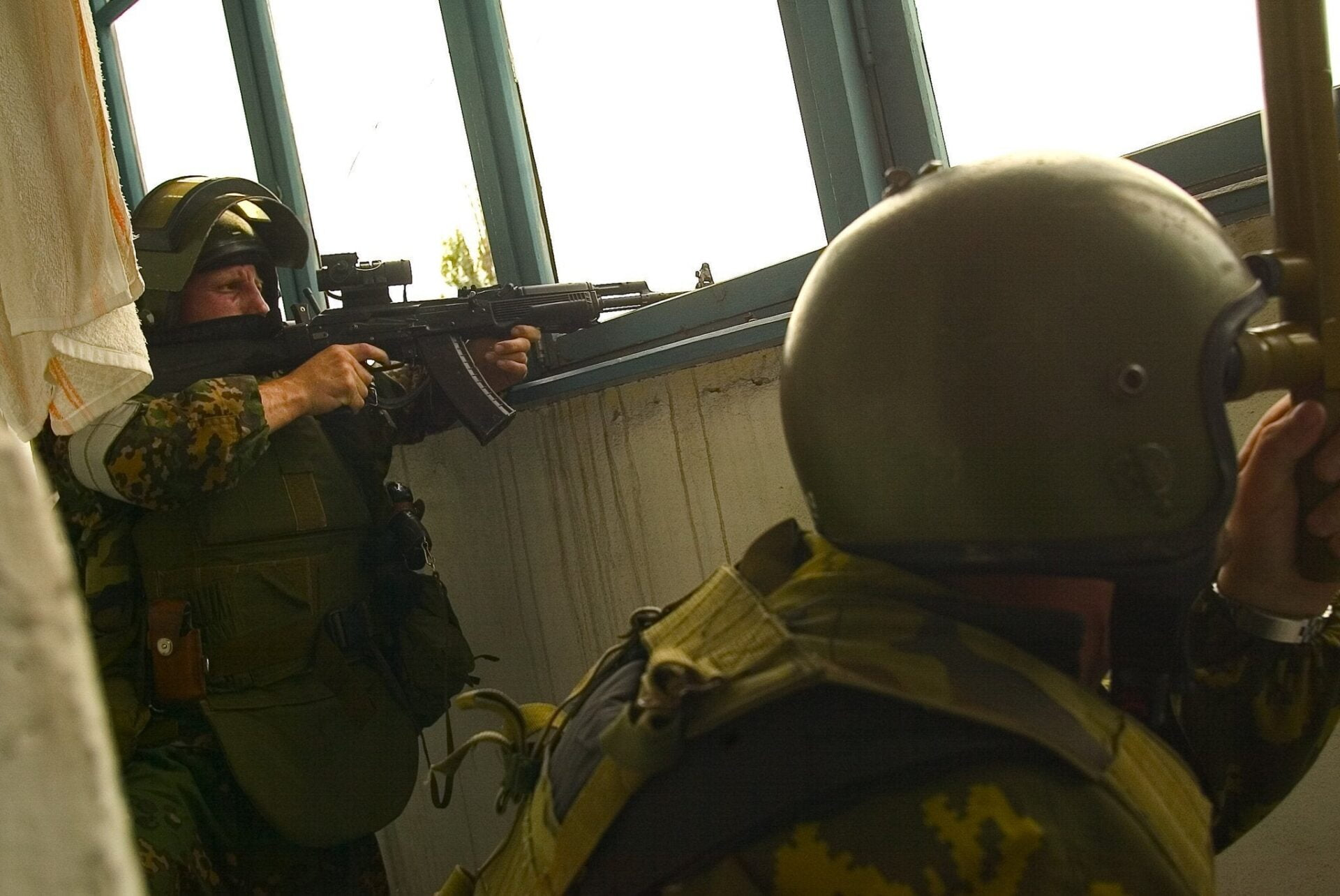 ΕΚΤΑΚΤΟ: Ένοπλοι σκότωσαν παιδιά σε σχολείο στο Καζάν της Ρωσίας | Προετοιμασία εφόδου της Αστυνομίας