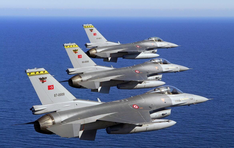 ΕΜΠΛΟΚΗ ΣΤΟ ΑΙΓΑΙΟ: Κατασκοπευτικά και F-16 προκαλούν την Ελλάδα