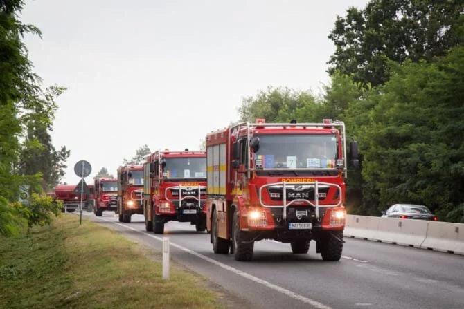 ΕΦΤΑΣΑΝ ΕΝΙΣΧΥΣΕΙΣ: Στη μάχη όλοι για να σβήσουν οι πυρκαγιές