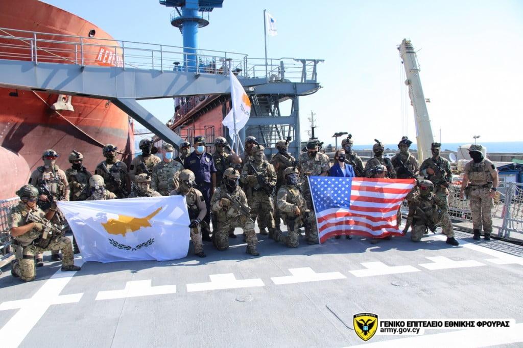 "H ""ΜΥΚ"" Στέλνει μήνυμα ετοιμότητας σε άσκηση με τους Αμερικανούς ""Navy Seals"""