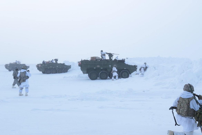 Αμερικανοί & Ινδοί στρατιώτες ασκούνται στην Αλάσκα